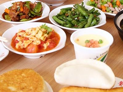 烟台蓝白食品每日为十余万市民提供放心三餐